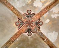 历史的被成拱形的圆顶被绘的天花板 免版税库存图片