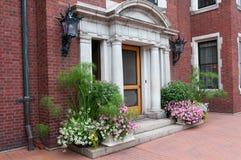 历史的豪宅入口和装饰在德卢斯 免版税库存图片