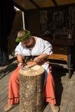 历史的车间的女性银器匠 免版税库存图片