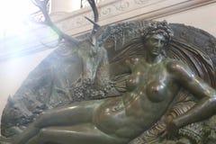 历史的雕象-天窗巴黎 免版税库存图片