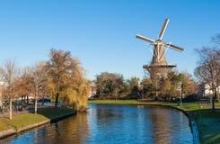 历史的风车在莱顿,荷兰 免版税库存图片