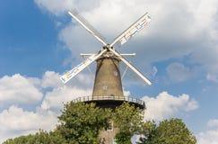 历史的风车De Valk在莱顿的中心 免版税库存照片