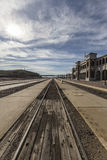 历史的巴斯托火车站和轨道 免版税图库摄影