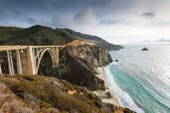 历史的Bixby桥梁。太平洋海岸高速公路加利福尼亚 免版税库存照片