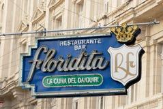 历史的Floridita酒吧的标志在哈瓦那,古巴 库存图片