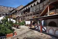 历史的Manuc的旅馆在布加勒斯特罗马尼亚 免版税库存照片