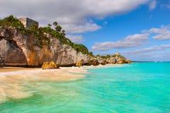 历史的Tulum海滩,加勒比海,墨西哥 免版税图库摄影