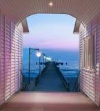 历史码头在海岛吕根岛,德国上的宾茨 免版税库存照片