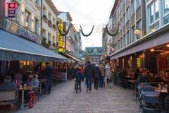 历史老城市Altstadt区街道视图在杜塞尔多夫,德国 图库摄影