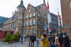 历史老城市Altstadt区街道视图在杜塞尔多夫,德国 免版税库存图片