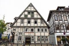 历史门面在市的市中心代特莫尔德行政区 免版税库存照片