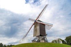 历史风车在布鲁基 免版税库存照片