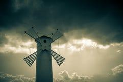 历史风车灯塔在Swinoujscie,波兰 免版税库存图片