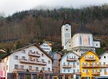 历史建筑在Hallstatt,萨尔茨卡默古特,奥地利阿尔卑斯 免版税库存照片