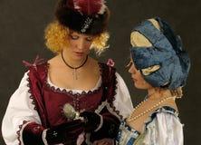 历史16 17个世纪衣裳女孩 免版税库存照片