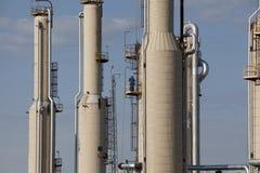 压缩机天然气加工厂塔 免版税库存照片
