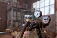 压缩气体的分布式系统消耗量从圆筒的 库存图片