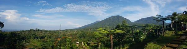 巴厘岛山全景 免版税库存图片