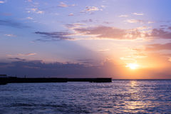巴厘岛海氏码头在晚上,芭达亚,泰国 库存图片