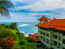 巴厘岛,印度尼西亚- 2008年12月30日:海洋和努沙Dua盛大日光旅馆海滩  库存图片
