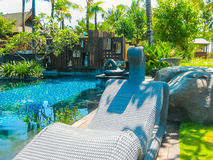 巴厘岛,印度尼西亚- 2014年4月14日:游泳池看法在圣里吉斯手段的 图库摄影