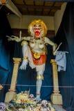 巴厘岛,印度尼西亚- 2017年3月08日:Impresive手工制造结构,为Ngrupuk游行塑造的Ogoh-ogoh雕象,  图库摄影