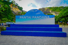 巴厘岛,印度尼西亚- 2017年3月11日:Pandawa海滩的情报标志在巴厘岛,印度尼西亚南部的  Pandawa海滩是a 库存图片