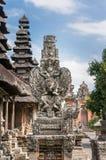巴厘岛garuda雕象 库存照片