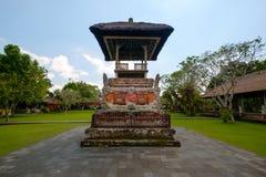 巴厘语印度教祈祷的法坛密室  库存图片
