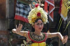 巴厘语舞蹈家 库存照片