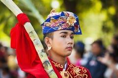 巴厘语年轻人画象传统服装的 库存图片