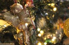 厚颜无耻的圣诞节天使 免版税库存图片