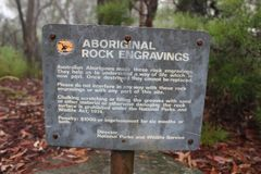 原史艺术岩石板刻旅行澳大利亚rockart 库存图片