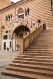 原因楼梯在庭院里Palazzo della Ragione 库存照片