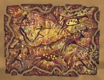 原始人民狩猎  在petroglyphic绘画的美丽如画的补花 免版税库存图片