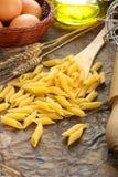 原始意大利意大利面食的pennette 库存图片