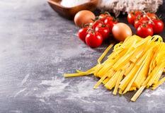 原始新鲜的意大利面食 免版税图库摄影