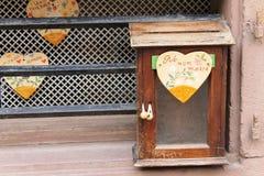 原始的岗位箱子在法国 免版税库存图片