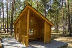 原始的设计木庭院家具  免版税库存图片
