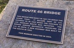 原始的路线66桥梁从1921年在俄克拉何马- JENKS -俄克拉何马- 2017年10月24日 库存照片