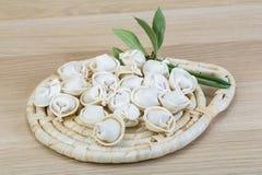 原始的饺子 免版税库存照片