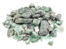 原始的鲜绿色宝石 免版税库存图片