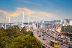 厦门在日落的haicang桥梁 免版税库存照片