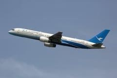 厦门空气波音757-200飞机 免版税库存图片