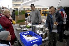 厨师学校救世军的鹤龄捐赠 免版税图库摄影