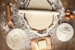 厨师结构的做面团 库存照片