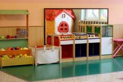 厨房和摊位蔬菜水果商亲切的 库存照片