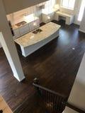 厨房和dinning的室在一个新房里 库存照片