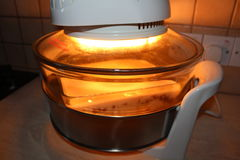 厨房器具,自创食物,没有油煎的食物,电烤箱, 免版税库存图片