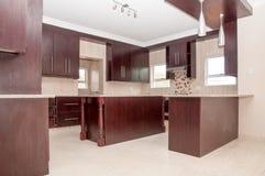 厨房在新房里 免版税库存照片